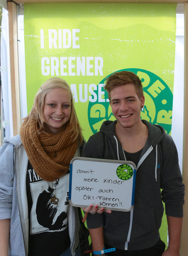 "Die Gewinner des ""I Ride Greener because.."" Wall Photo Contest: Nico und Lisa"